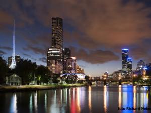 Na řece Yarra River bylo roku 1835 založeno Melbourne