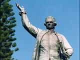 James Cook připlul 1770 a de facto už Sydney neopustil