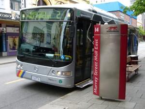 """Perth - červená autobusová """"kočka"""""""