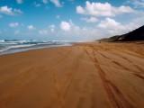 """Písečná """"dálnice"""" na Fraser Island..."""