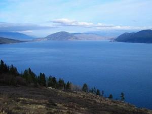 Jezero Okanagan - tak tady má Ogopogo trvalé bydliště.
