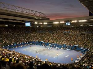 Rod Laver Arena v Melbourne pojmenovaná po slavném tenistovi - tady vždy vrcholí Australian Open.