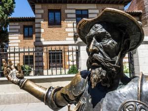 Na Dona Quijota narazíte ve Španělsku leckde.